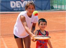 Инициатива за безплатен тенис в градовете на България от DEVIN