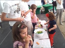 Деца учиха за здравословното хранене и готвиха в центъра на София